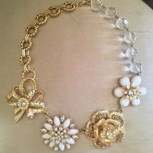 NWT RJ Detailed Bow Necklace